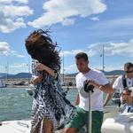Selena se je ovila v lahkoten pareo (foto: profimedia)