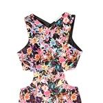 Obleka, Bershka (27,99 €) (foto: Damonfourie, promocijsko gradivo)