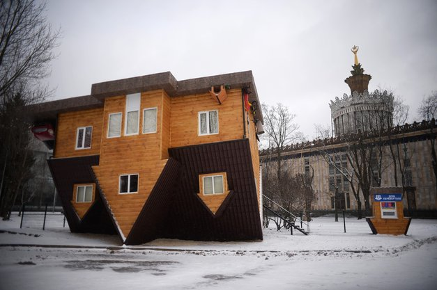 Na glavo obrnjena hiša, Moskva, Rusija (foto: profimedia)