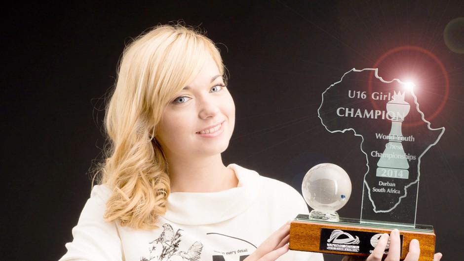 14-letna Laura Unuk je postala svetovna prvakinja v šahu