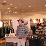 V trgovini C&A je potekal modni dvoboj (foto: C&A)