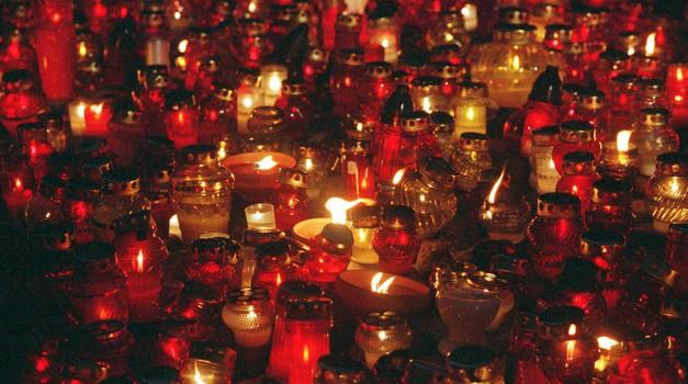 Za svečko manj in za odkrito besedo več! (foto: profimedia)