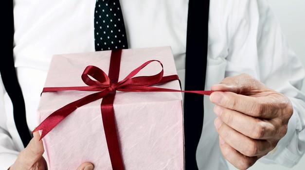 Od tebe za njega: Najboljša darila ZANJ (foto: Getty images, promo, Predalič)