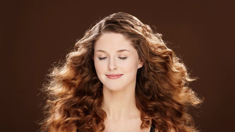 Za popolne kodre potrebuješ Keratin Curl (foto: Profimedia)