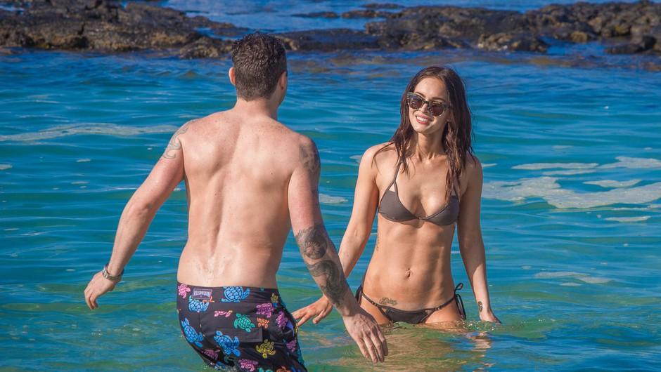 Megan Fox z dragim uživa na Havajih  (foto: Profimedia)