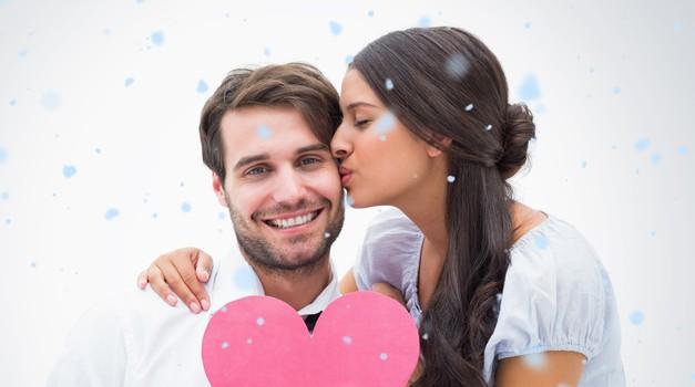 Kaj podariti za valentinovo? (foto: Profimedia)