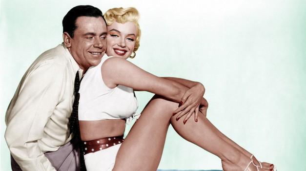 Ženske obline zdravilo za moškega pod stresom!?! (foto: Profimedia)