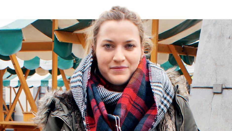Anja,  20 let: Več kupuj na razprodajah in manj po rednih cenah. (foto: Tjaša Kopušar)