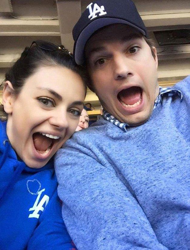 Mila Kunis in Ashton Kutcher drugič postala starša! (foto: Profimedia)