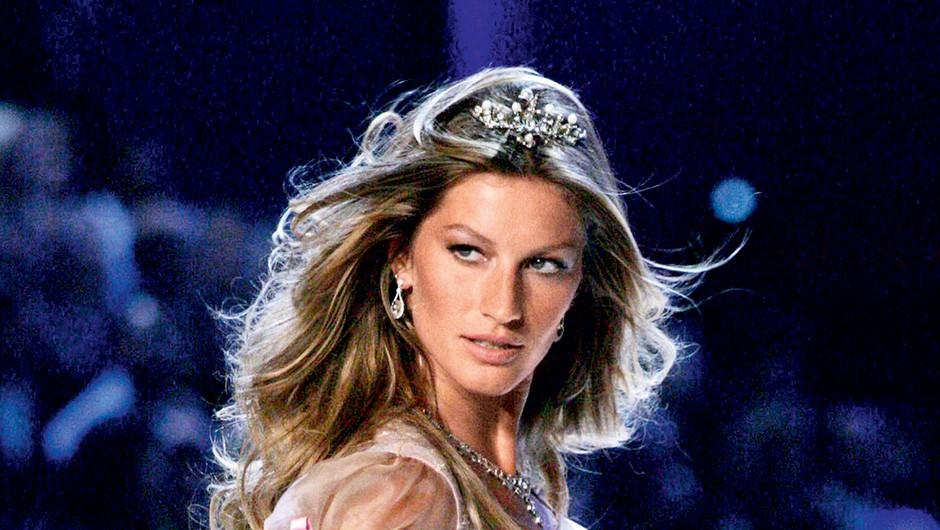 Najbolje plačana manekenka na svetu se je poslovila od modnih brvi (foto: Profimedia)