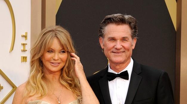 Goldie Hawn in Kurt Russell sicer nista poročena, se pa ljubita že od leta 1983. (foto: Profimedia)