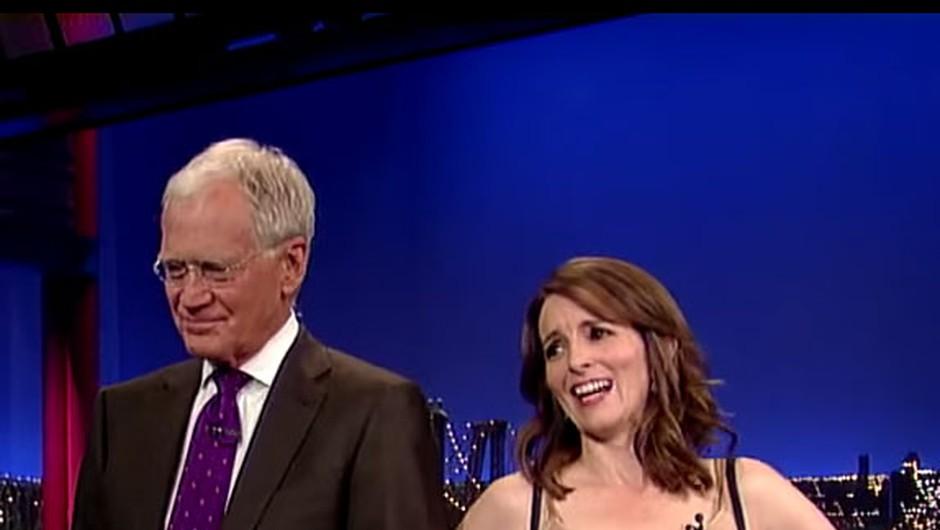 Tina Fey Lettermanu na čast odvrgla seksi obleko! (foto: YouTube)