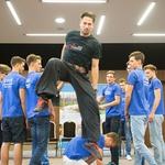 2. Miha Krušič je demonstriral enega od trikov, ki ga bodo finalisti izvedli na finalnem dogodku. (foto: Luka Brataševec)