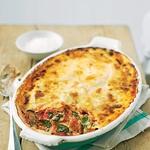 Špinačni kaneloni. Popečeni s kremno bešamelno omako – preprosto slastno! RECEPT: http://www.lisa.si/recepti/spinacni-kaneloni/ (foto: Lisa)