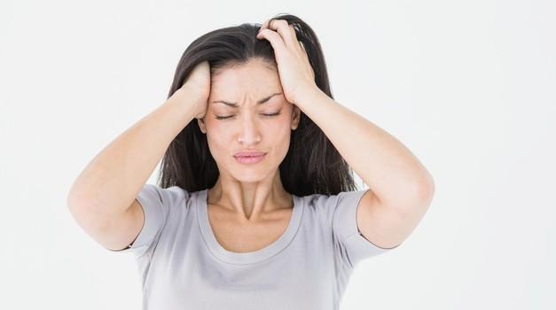Migrena je najpogostejša pri ženskah, starih med 30 in 50 let. Muči tudi tebe? (foto: Profimedia)