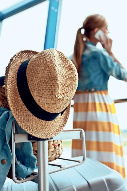 Najlepši modni kosi za potovanje s stilom