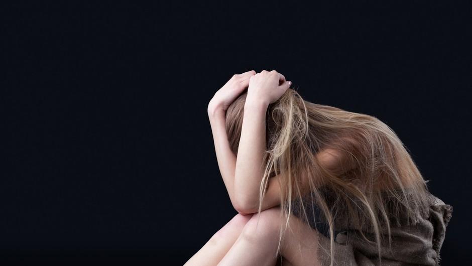"""""""Rada bi pozabila, pa ne morem"""" (grozljive izkušnje spolno zlorabljenih) (foto: Profimedia)"""