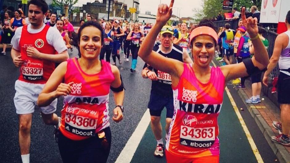 Ta punca je v času menstruacije brez zaščite pretekla maraton (foto: facebook.com/KiranGandhi/photos)