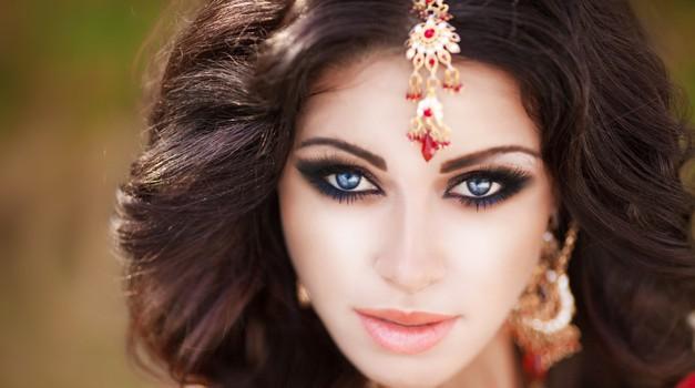Indijke lase krepijo s kano (foto: Shutterstock)