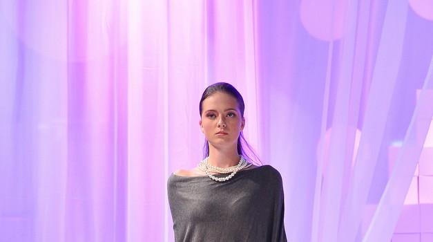 Utrinki z Europarkove glamurozne modne revije. (foto: Europark Maribor)