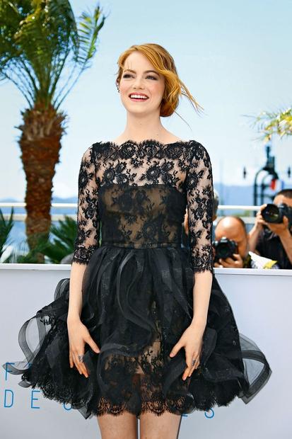 Emma Stone Brez zabavne igralke, ki je v zadnjem letu nase opozorila tudi z modnega vidika, si več ne predstavljamo …
