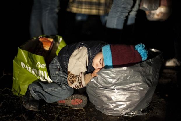Noč begunskega otroka na srbsko-hrvaški meji.