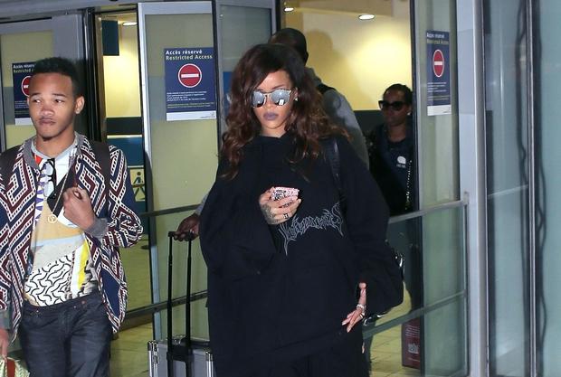 Rihanna veliko časa preživi na letalu, zato razumemo, da ji mora biti med letom udobno in prijetno, vsekakor pa nismo …