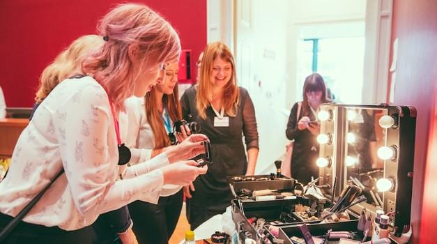 Prvo srečanje lepotnih blogerk pri nas poželo izjemen uspeh! (foto: Marko Delbello Ocepek)
