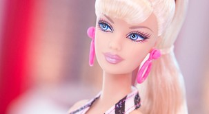 FOTO: Začudena boš, kakšna je bila prva barbika