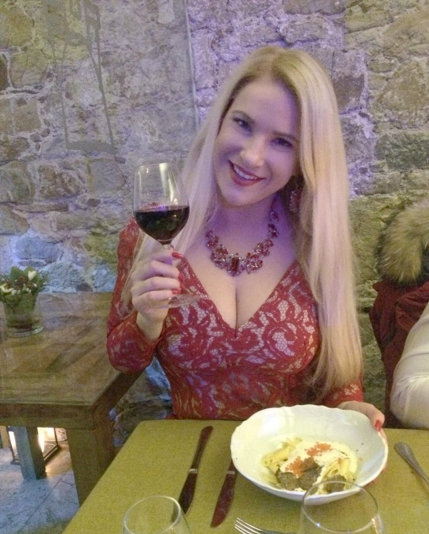 Danice Lovenjak smo navajeni kot blondinke, čeprav nikakor ne ustreza stereotipu, ki spremlja to privlačno barvo las. Nova revija Lea …