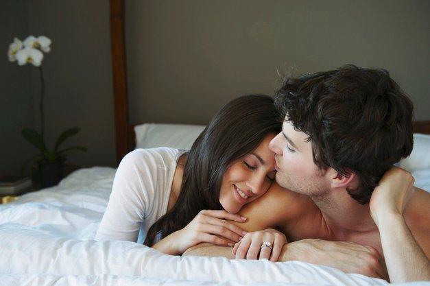 6 neseksualnih stvari, ki jih on noro pogreša, ko te ni ob njem (foto: Profimedia)