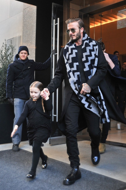 Za Victorio Beckham je izjemno pomemben vikend, saj je v New Yorku predstavila svojo novo kolekcijo. Na modno revijo jo …