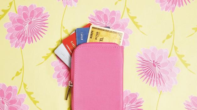 To mladim slovenskim ženskam najbolj prazni denarnice (foto: Getty Images)