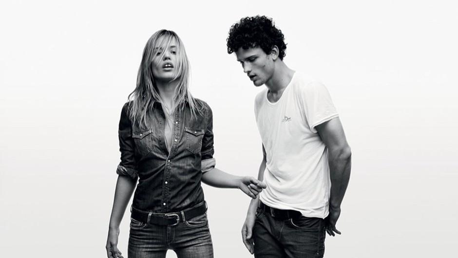 Pepe Jeans te izziva: Si lahko oblečeš kavbojke brez pomoči rok? (foto: Profimedia)