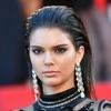 FOTO: Kendall Jenner ukradla pozornost v črni prosojni obleki