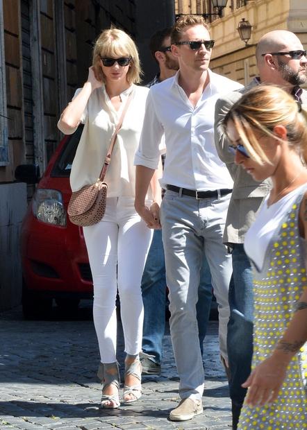 Tako so Taylor in Toma ujeli med obiskom Italije, in sicer sta si šla zaljubljenca ogledati mesto ...