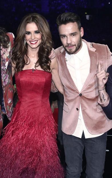 Angleška pevka, plesalka in televizijska voditeljica Cheryl Ann Fernandez-Versini (33 let) in njen rojak ter glasbeni kolega Liam Payne (22 …