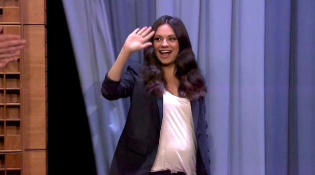 VIDEO: Mila Kunis zabavno o tem, kako njeno nosečnost doživlja hči Wyatt (foto: Profimedia)