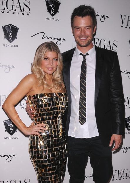 Med Fergie (163 cm) in njenim možem Joshem Duhamelom (192 cm) je 29 centimetrov razlike.