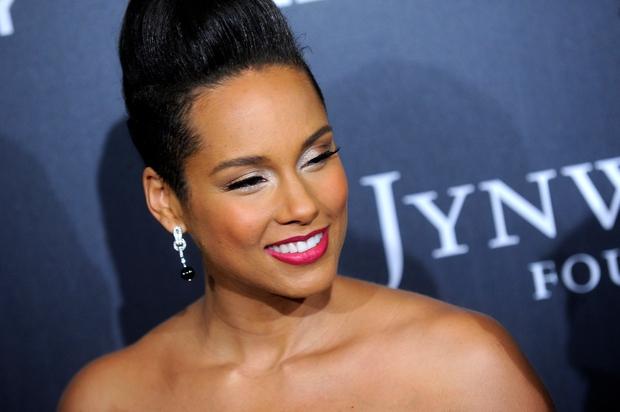 Tako je bila videti Alicia Keys pred dvema letoma, ko se je - tako kot druge zvezdnica - vselej do …