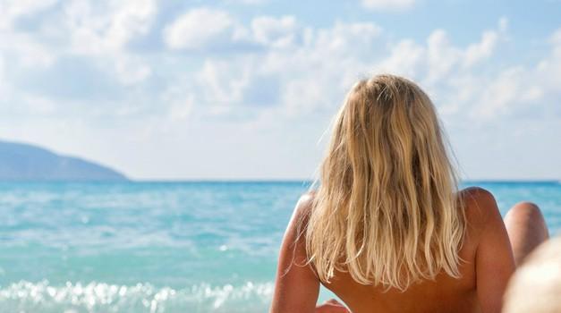 Kako si izdelaš naraven preparat za posvetljevanje las kar sama doma? (foto: Shutterstock)