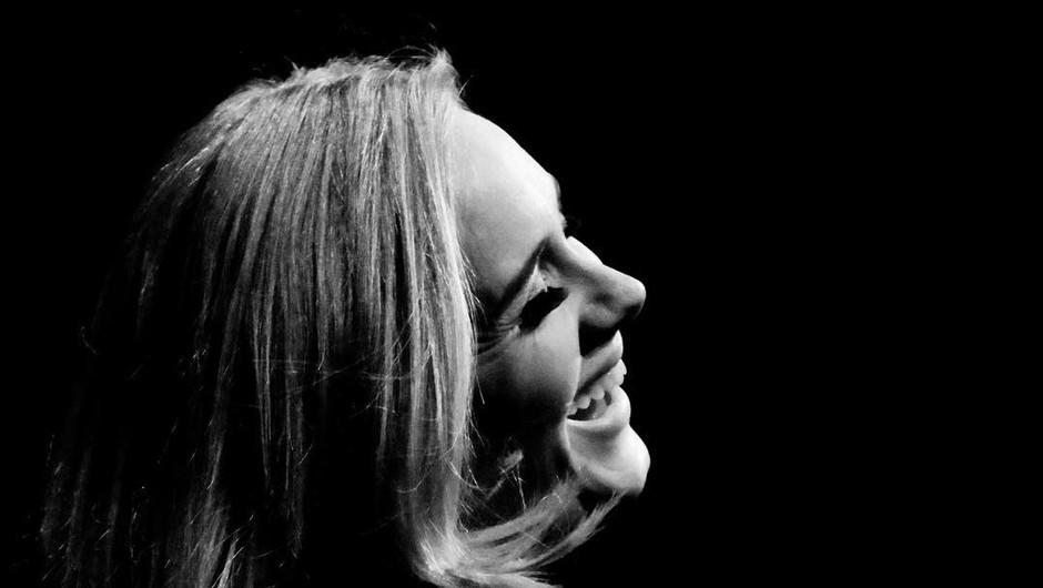 Zakaj se je Adele morala odpovedati pici? (foto: Instagram @adele)