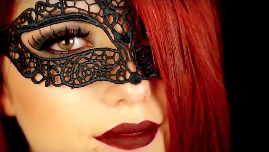 VIDEO: Preprost in noro zapeljiv make-up za zabavo za noč čarovnic 2016 (foto: YouTube screen shot)