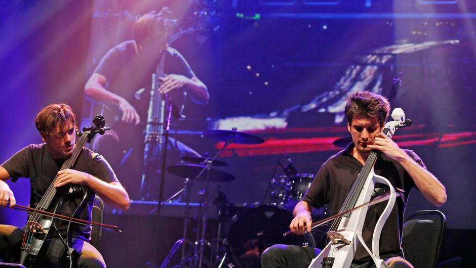 Svetovna glasbena senzacija 2Cellos podira rekorde: Prihajajoči aprilski koncert v Stožicah razprodan! (foto: Profimedia)