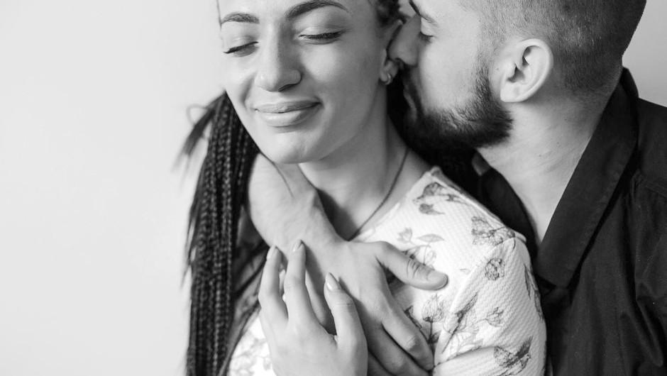 Teh 36 vprašanj ustvari takšno intimno bližino, da se bosta zaljubila! (foto: Profimedia)