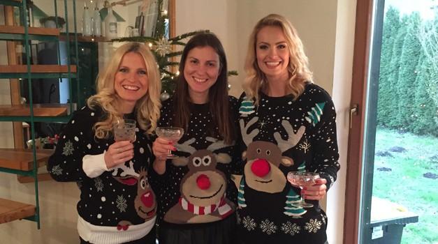 Modni hit: kičast božični pulover! Tjaša Kokalj razkriva, kje ga dobiš za manj kot 20€ (foto: Tjaša Kokalj Jerala)