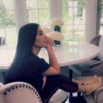 Ta bolezen je trn v peti Kim Kardashian (znaki se ji poznajo tudi že na obrazu!) (foto: Profimedia)
