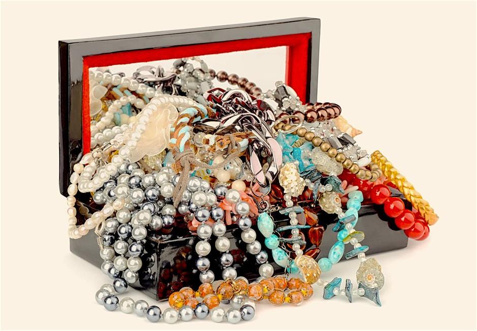 Super ideja, kako končno urediš svojo zbirko nakita! (foto: Profimedia)