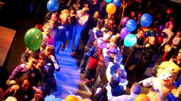VIDEO: Ples, spoznavanje in iskrenje na Največjem Zmenku na Slepo v S-LOVE-niji 8 (foto: Andraž Kobe)