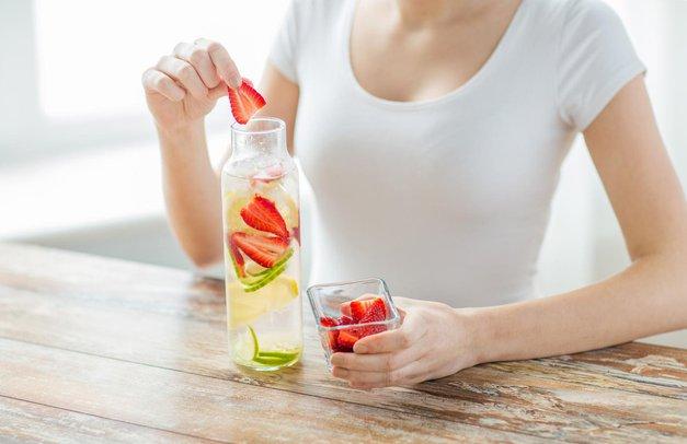 6 pijač za čez dan, s katerimi se boš znebila odvečne maščobe (foto: Profimedia)